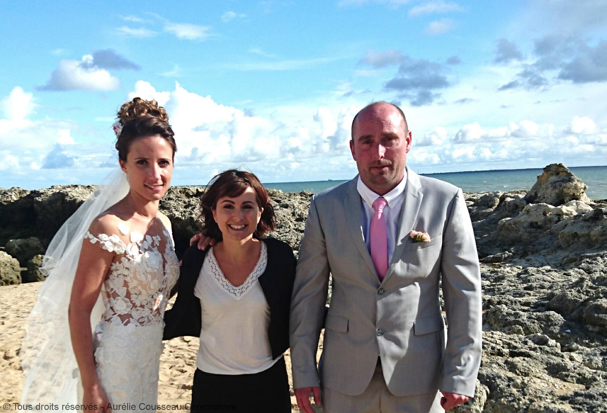 mariés-cérémonie de C&JM-Photo unJourExtra-aurelie cousseau cérémonies